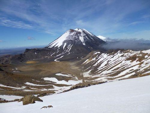 k-Neuseeland 2012 0444 - Ngauruhoe & South Crater & Ruapehu (Tongariro)