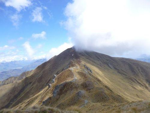 k-Neuseeland 2012 1819 - Wolkenschnitt (von Roys Peak nach Mount Alpha)